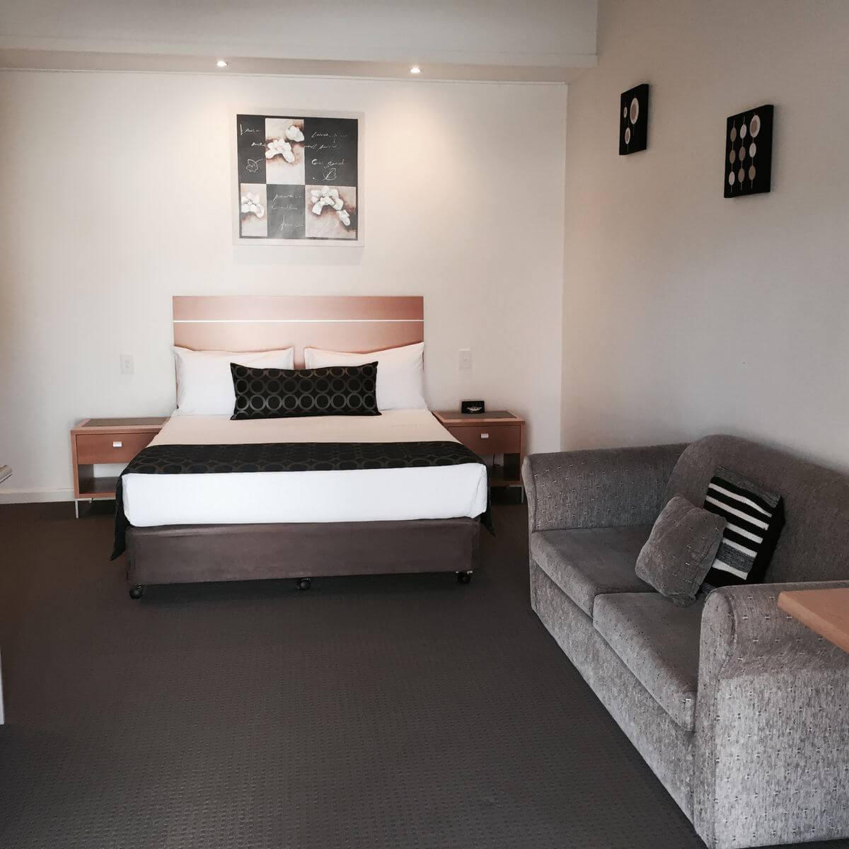 Superior Room   Superior Room   Superior Room - Burkes Motel Yarrawonga