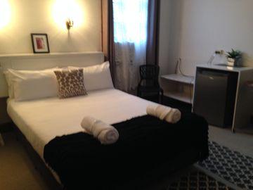 UPSTAIRS STANDARD ROOM | UPSTAIRS STANDARD ROOM | Standard Room Accommodation Yarrawonga
